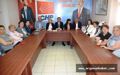 CHP' PEMBE TRAMBÜS'E KARŞI ÇIKTI