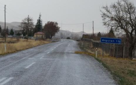 ARGUVAN'DA KAR YAĞIYOR