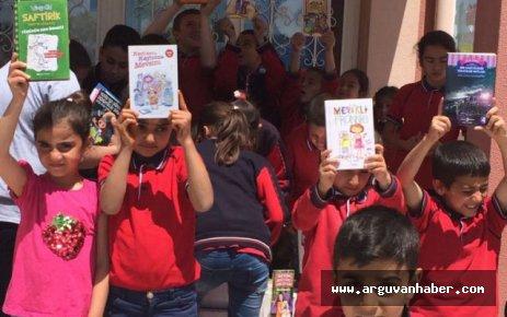 Ankara'dan Arguvan' Atmalılar Okuluna Kitap