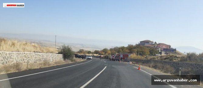 Arguvan'da Gübre Yüklü Kamyon Devrildi 1 Kişi Hayatını Kaybetti