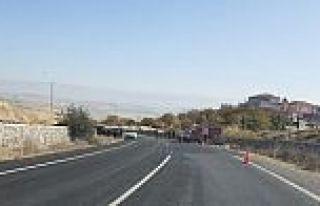 Arguvan'da Gübre Yüklü Kamyon Devrildi 1 Kişi...