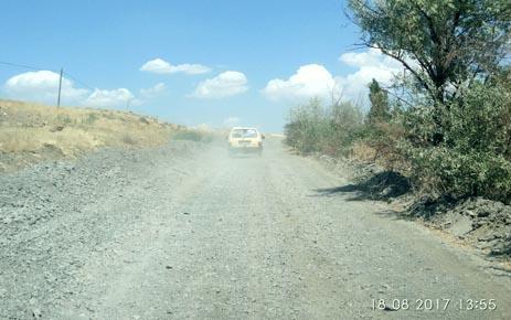 Karahöyük İstikametindeki Yol Çile Yolu Oldu